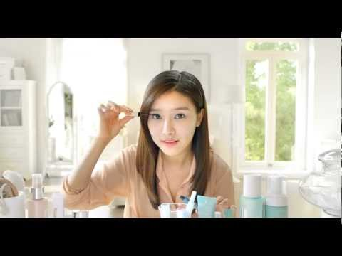 Kim So Eun & Lee Hyun Woo Clinique CF