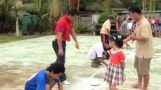 gawai 2011 ngambi duit syiling dalam tepung(hailey,Lazarus,toddy)