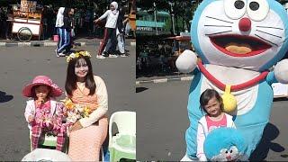 Salsa berkenalan dengan karakter film Ariel mermaid, Marsha, dan doraemon MP3