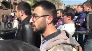 Հերացի փողոցում սափրագլուխները հարձակվել են ցուցարարների վրա