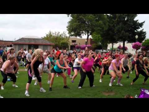 Zumba in Pioneer Park, Puyallup