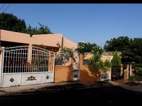 Casa de alquiler en santo domingo rep blica dominicana for Apartamentos en sevilla baratos alquiler