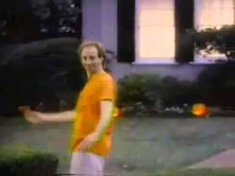 Halloween Hallmark Commercial - Late 80's to Early 90's [10/04/2012's Pick]