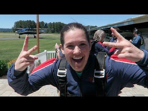 Cabaret goes Skydiving!! // Schultzy