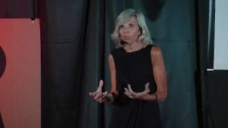 A Traição Mudou Minha Vida, Para Melhor, aos 60 | Isabel Dias | TEDxBlumenauSalon
