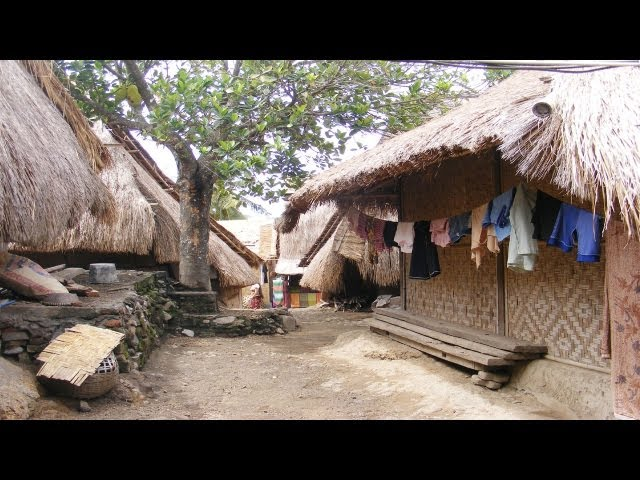 TRADITIONAL VILLAGE of SASAK ETHNIC LOMBOK Travel Video