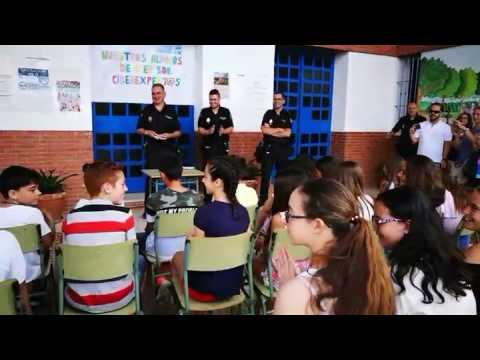 La Policía Nacional entrega los carnets de CiberExperto al alumnado del Colegio Giner de los Ríos