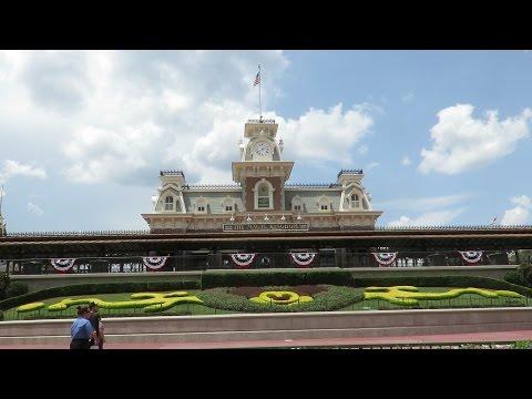 Walt Disney World Magic Kingdom Full Walking Tour Of Town Square & Main Street, USA!!!