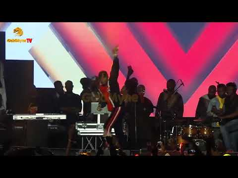 WIZKID AND OLAMIDE'S PERFORMANCE AT OLIC 2018