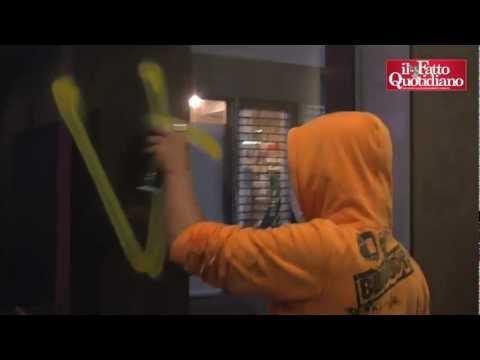 Studenti a Milano, assediata l'agenzia Moody's