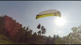35 km/h wind. Paragliding on the edge of the speed.