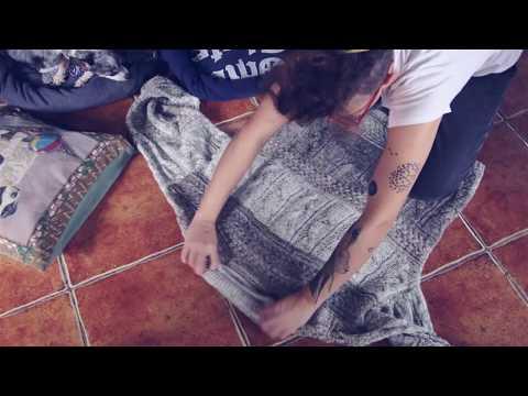 Из старого свитера лежак для собаки своими руками