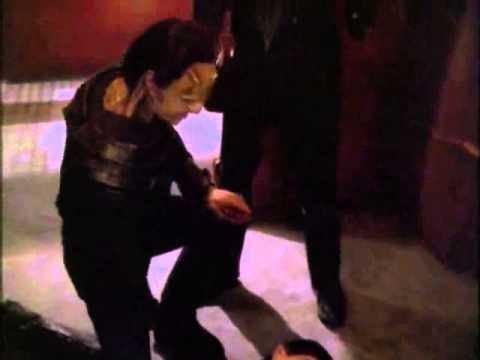 Worf kills Weyoun #7 - Damar mocks Weyoun 8