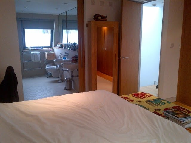 Penthouse room, luxury ensuite, private office   Main Photo