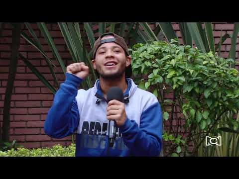 """""""El mundo no debería tener fronteras"""": joven venezolano que canta en las calles de Bogotá"""