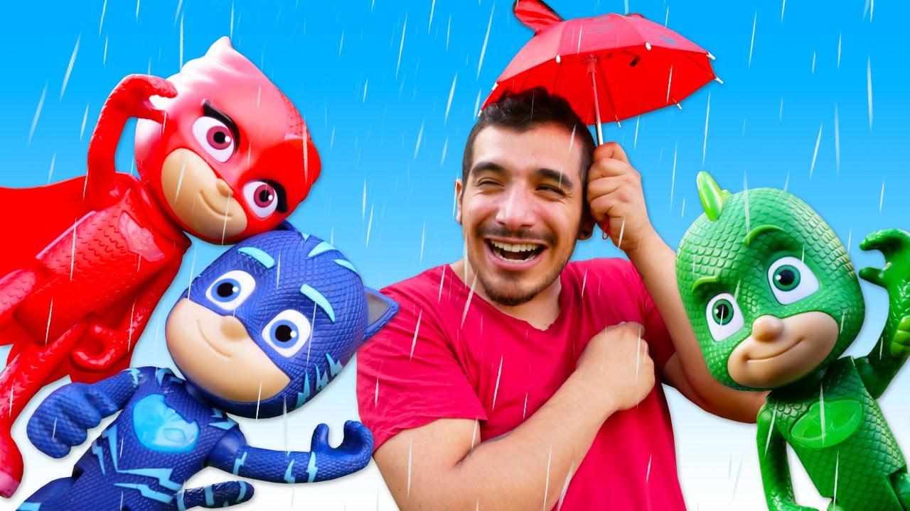 Romeo crea una máquina de hacer tormentas. Cuento de juguetes PJ Mask