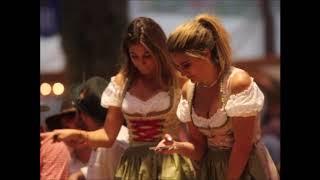 Oktoberfest-2018 в Мюнхене: пиво, девушки, костюмы