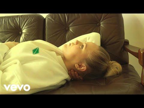 Смотреть клип Matilda - Nervous