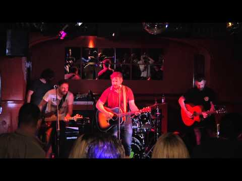 Ronan MacManus - Dead Mans Suit Live @ The Ealing Club