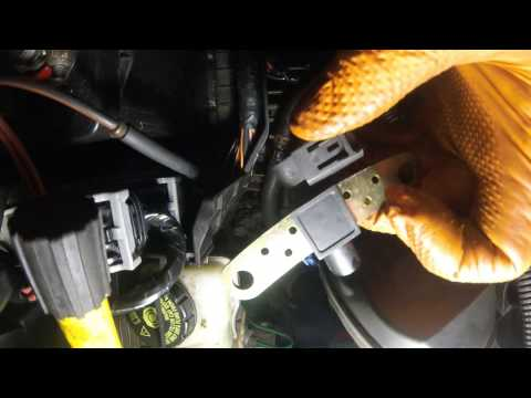 Renault Megane II Crankshaft Sensor Replacement /  Замена датчика коленвала Renault Megane II