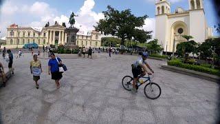 CENTRO HISTORICO Y BULEVAR VENEZUELA. SAN SALVADOR EL SALVADOR.