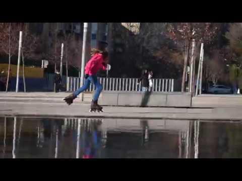 Urban skating with the Rollerblade Twister Edge W in Zaragoza - Raquel aka Raksharoller