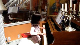 Original Piano Improvisation by 8 year old Jasmine