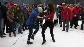 Бакшевская масленица. Женская борьба на снегу. 13 марта 2016.(Женская борьба. Фотографии на сайте: http://basilisk.livejournal.com http://basilisk.moscow., 2016-03-14T07:41:12.000Z)
