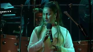 Lafawndah: 'Tourist' live | Loop
