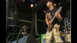 Soulfly - Fuel hate/Beneath remains/Cockroaches/Electric Funeral/LOTM/Angel of death/Porrada
