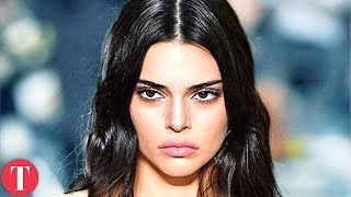 Gambar cover 10 Times Fashion Week Got The Best Of Kendall Jenner