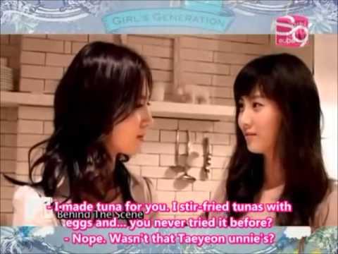 SNSD Cute Yuri vs Taeyeon cooking