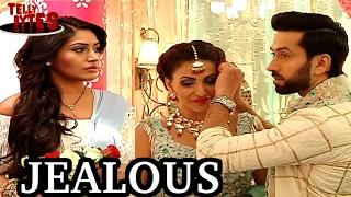 Ishqbaaaz ! Shivaay tries to make Anika JEALOUS ! Romances with Tia