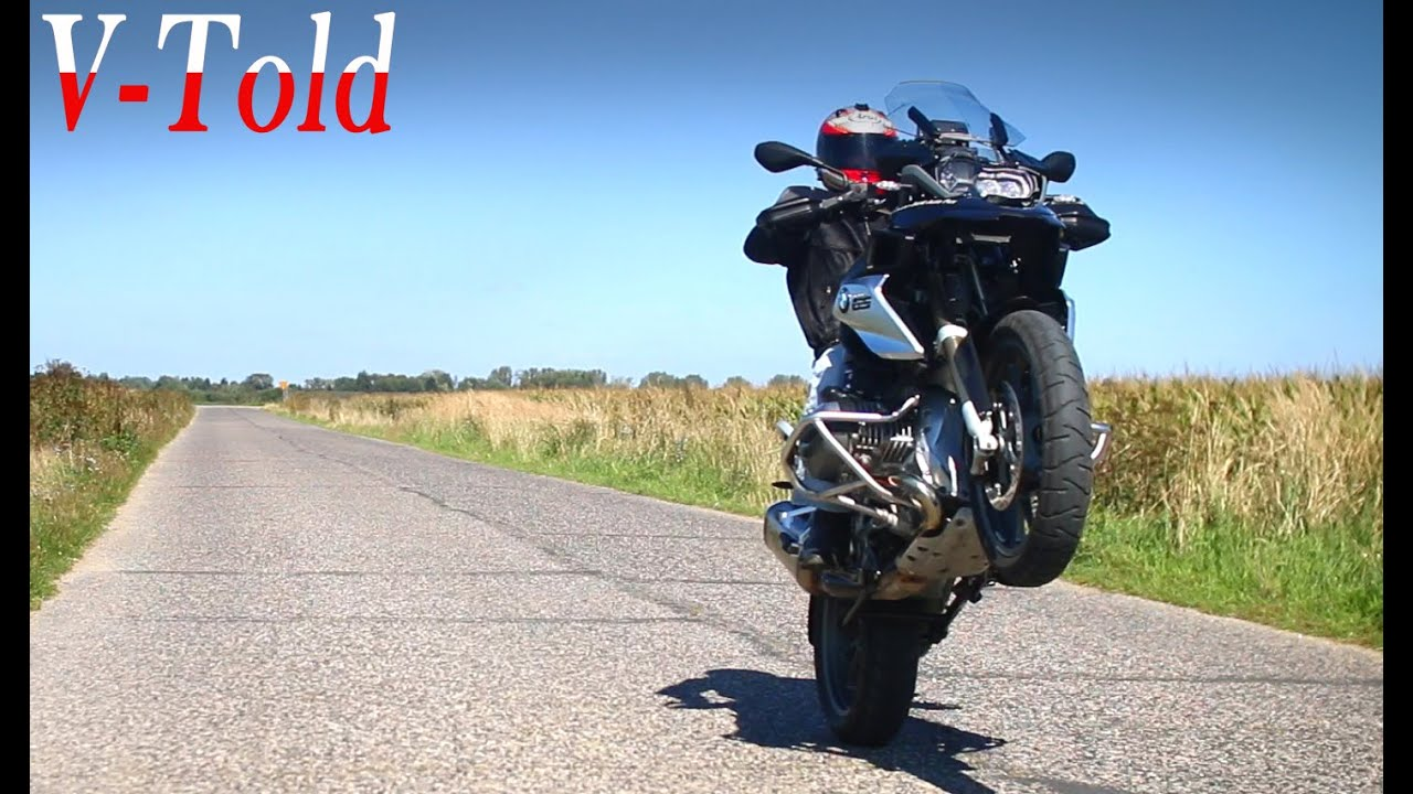 NEVER ride without a helmet! - BMW R 1200 GS pulling wheelies