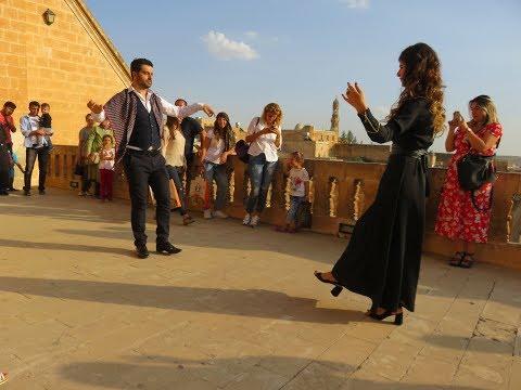 Midyat'a gelen turistler için Reyhani oyunu ekibi kuruldu