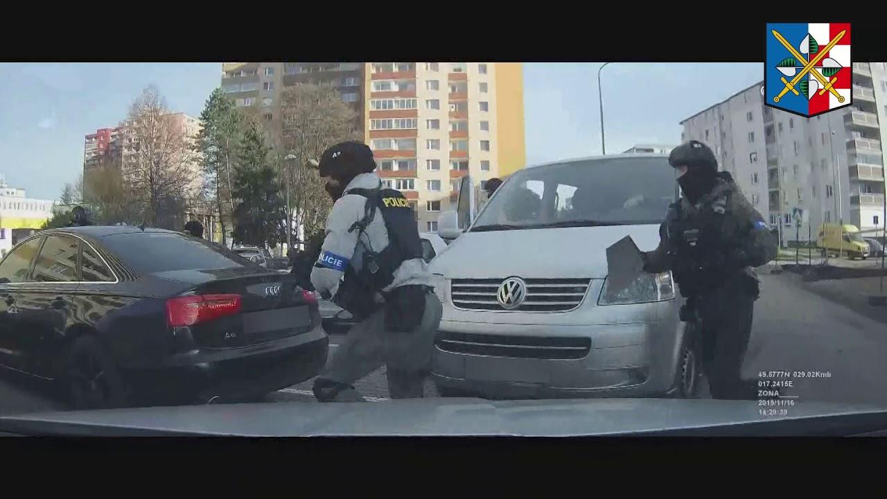 policista, obchodník s drogami