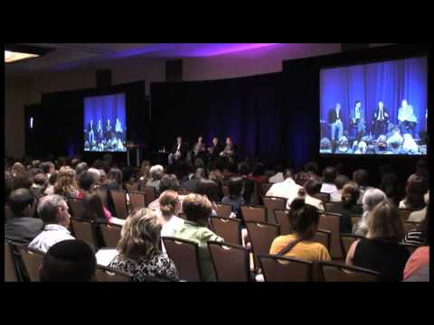 Kerry Shearer Reports From The CDC's Annual Communications Conference