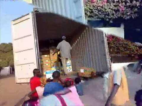 Yagana World 2009 - Aankomst en lossen van de container Maart 2009 Banjul, The Gambia