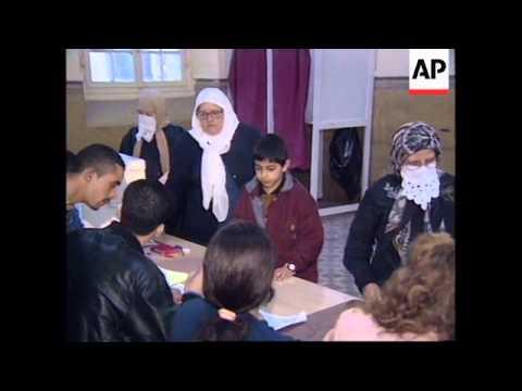 ALGERIA: VOTING BEGINS IN REFERENDUM ON MUSLIM FUNDAMENTALISM