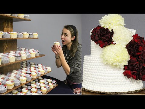 flower-wedding-cake-and-cupcakes-with-whipped-cream