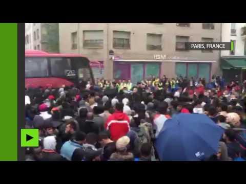 Evacuation de 2 000 migrants du campement des Jardins d'Éole à Paris