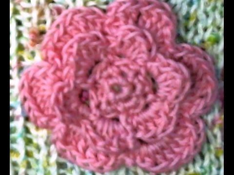 piastrella alluncinetto con fiore in rilievo tutorial