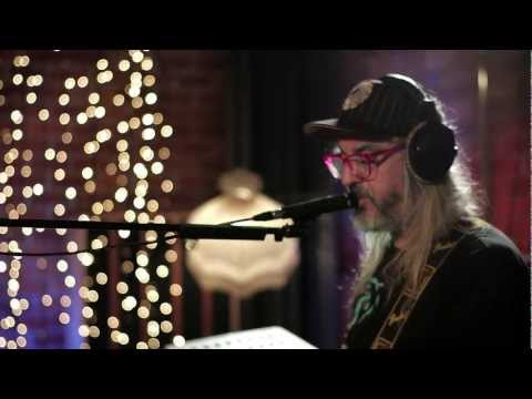 In Session: Dinosaur Jr. - Pond Song