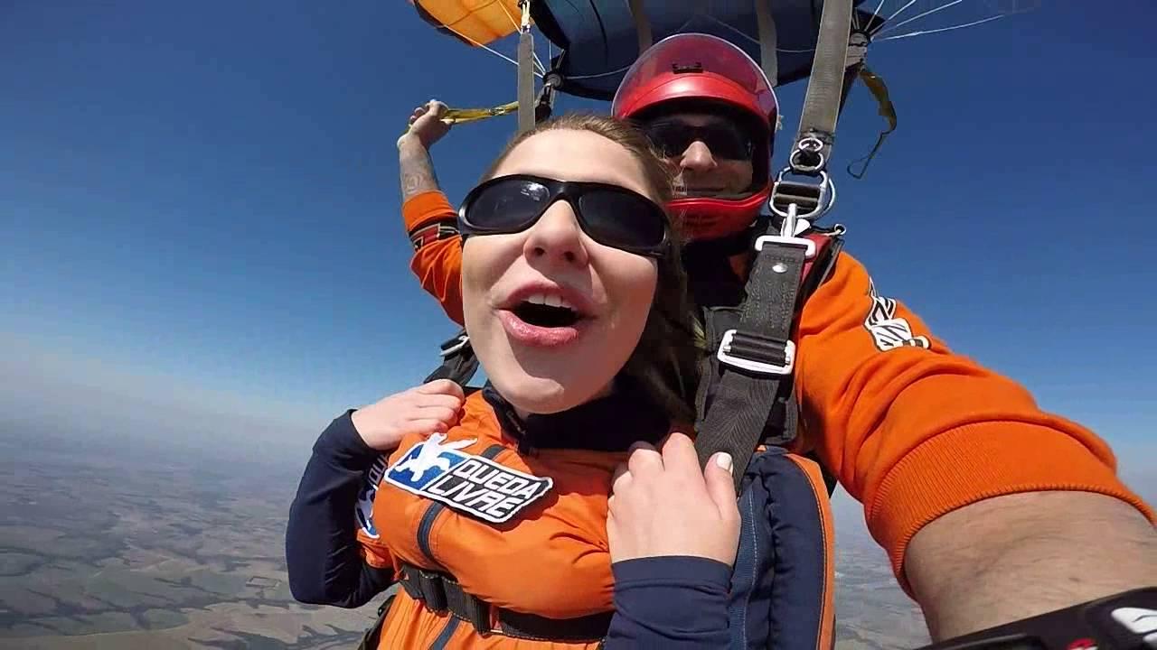 Salto de Paraqueda da Mariana A na Queda Livre Paraquedismo 28 07 2016