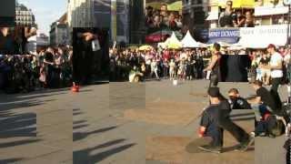 Vienna: Stephansplatz & Streetdancers 2012