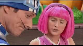 "LazyTown - ""Dice Lo Que Siente"" Miranda! Sportacus Love Video ""He says what he feels"""