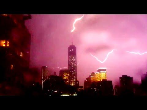 Lightning Strikes One World Trade Center Twice   05/23/14