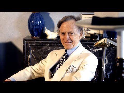 Tom Wolfe, prolific journalist and author, dead at 88