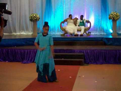 Way maker- Sinach Praise Dance