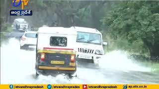 Heavy rains and flood like situation continue to haunt Maharashtra, Gujarat